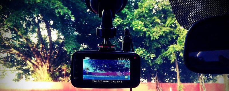 La importancia de tener una cámara en el auto