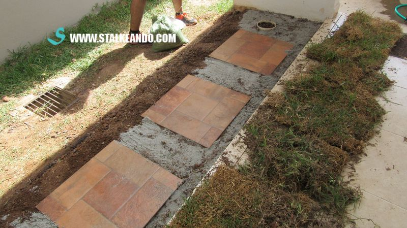 Stalkeando mini jard n para la entrada de la casa for Baldosas para el jardin