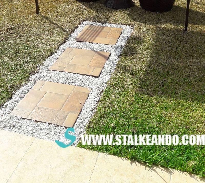 Camino de piedras para tu jardín o patio